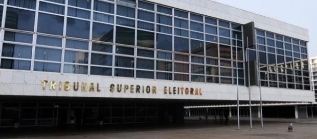 Tribunal Superior Eleitoral (TSE) irá julgar o mandato do presidente Michel Temer no próximo dia 06