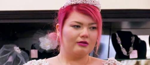 Amber Portwood Tries on Wedding Dresses in New 'Teen Mom OG ... - usmagazine.com