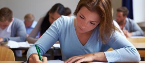 Estudar muito é crucial para obter uma boa nota no exame.