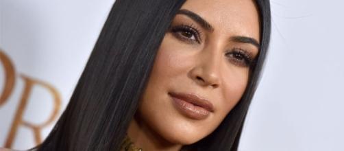 Kim Kardashian reacts to Blackface controversy after sharing KKW Beauty ad on social media. (via Blasting News library)
