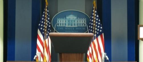Reporter's view of White House press briefing room (circa 2007). Image by JoshBerglund19 via Flickr:https://flic.kr/p/3o9J6A, CC BY 2.0
