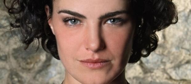 Dessa vez, atriz pode aceitar convite, pois vai trabalhar por obra (Imagem: Reprodução / Google)