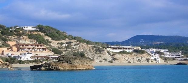 Los comercios de Ibiza solo quieren personal que resida en la isla