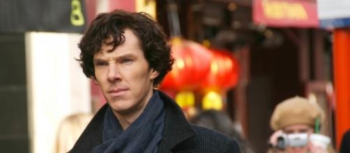 Benedict Cumberbatch during filming of Sherlock. - https://commons.wikimedia.org/wiki/File:Benedict_Cumberbatch_filming_Sherlock.jpg
