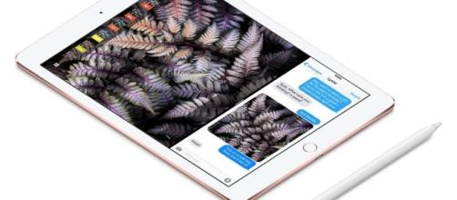 Hands on with the iPad Pro 9.7-inch   Popular Photography - popphoto.com