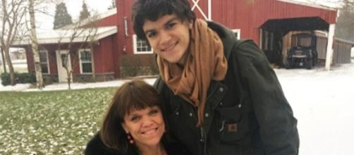 """Little People, Big World"" stars Jacob Roloff with mom Amy (Photo via Amy Roloff/Instagram)"