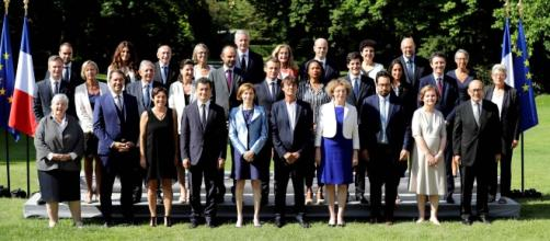 photo traditionnelle du gouvernement Philippe II