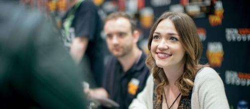 Violett Beane at London Comic Con - https://commons.wikimedia.org/wiki/File:Violett_Beane_(3).jpg