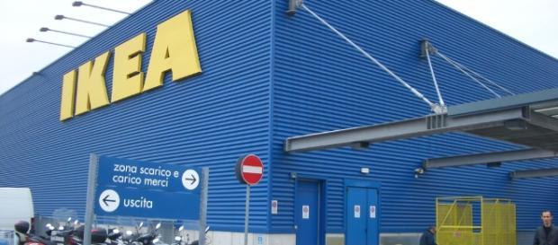 Apple and IKEA partnering to create AR furniture app / Photo via Seth Werkheiser, Flickr