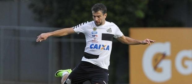 Leandro Donizete não está satisfeito com a condição de reserva