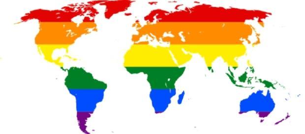 Mapa Mundi con los colores del movimiento gay. Public Domain.