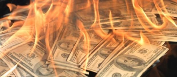O estranho vicio de perder dinheiro (Foto: Google)