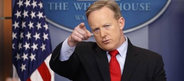 Sean Spicer does a terrible Melissa McCarthy impression – Poynter - poynter.org