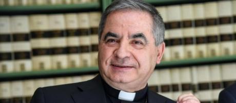 Angelo Becciu, sostituto per gli affari generali della Segreteria di Stato vaticana, si dice favorevole allo ius soli, ma solo in Italia