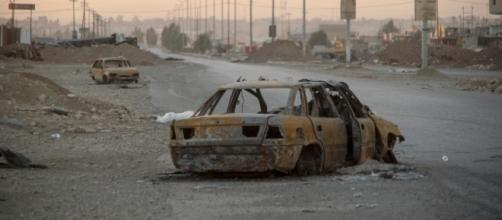 Outskirst of Mosul / By Mstyslav Chernov (Own work) [CC BY-SA 4.0 (http://creativecommons.org/licenses/by-sa/4.0)], via Wikimedia Commons