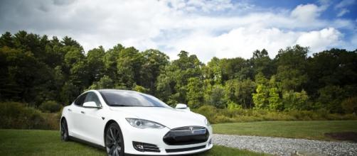 Tesla wants to build an electric car factory in China. Source: Pixabay