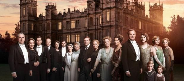 Dame Maggie Smith thinks a Downton Abbey film would start with the ... - digitalspy.com