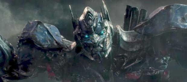Transformers The Last Knight review: chaos reigns in Michael Bay's ... - digitalspy.com