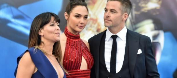 Wonder Woman Premiere | WOTRC - whatsontheredcarpet.com