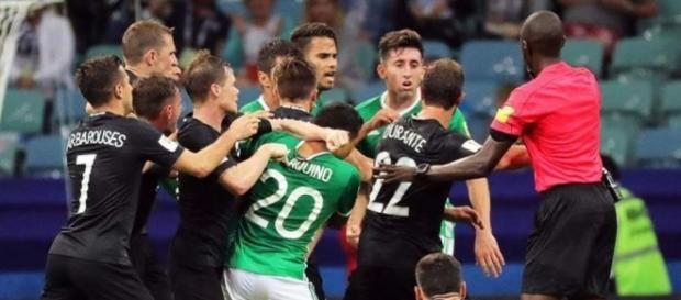 Y el VAR? La batalla campal que armaron México y Nueva Zelanda ... - diez.hn