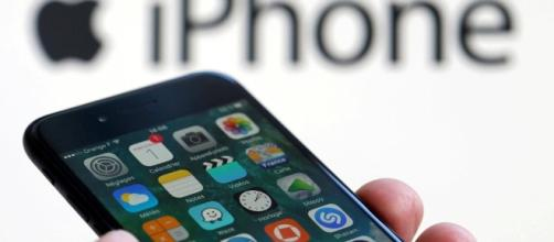 Arriva in Italia la legge anti-iPhone
