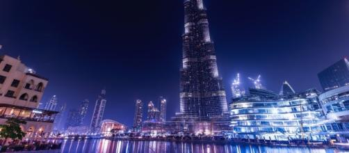 Currently the tallest building in the world: Burj Khalifa in Dubai (Image via Pixabay/Jeshots)