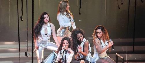 Fifth Harmony performing before Camila Cabello's exit/Photo via Wikimedia