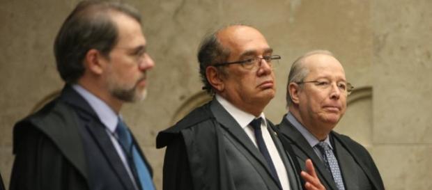 Ministro da Corte leva grande susto no ar