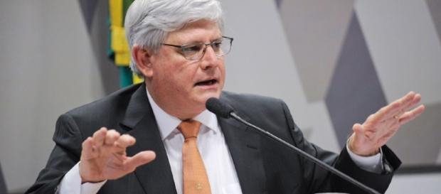 Procurador-geral da República Rodrigo Janot quer que a ex-presidente Dilma seja ouvida em processo no âmbito da Operação Lava Jato