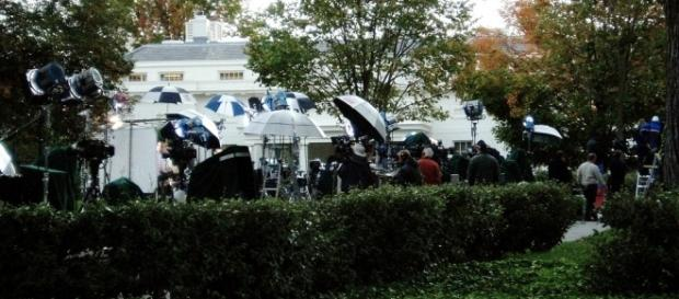 White House press corps on the lawn 2009. / [Image by Matt Wade via Flickr / CC BY-SA 2.0]
