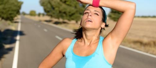 Il caldo di questi giorni mette a dura prova l'organismo: ecco alcuni consigli per difendersi al meglio