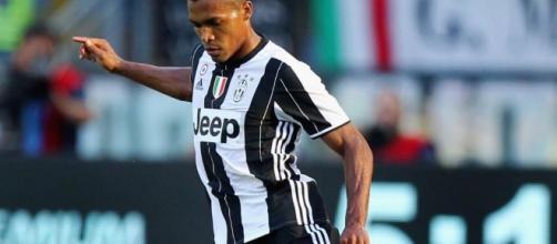 Freccia a sinistra per la Juventus: dal mancato rinnovo di Alex Sandro a Spinazzola