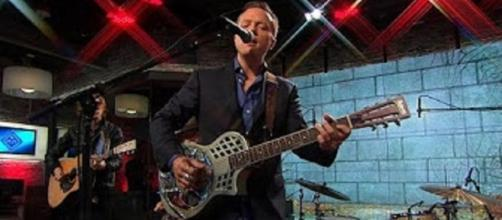 "Jason Isbell beatifully embraces wonder and fragility of life in songs from new album on ""Saturday Sessions"".Screencap CBS This Morning/YouTube-"""
