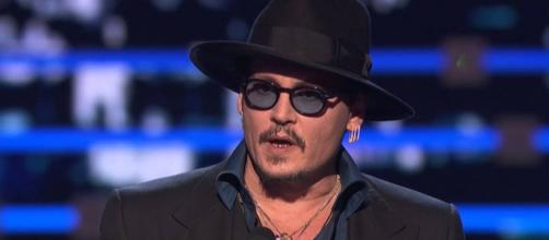 Actor Johnny Depp apologized for the 'Kill Trump' joke. [Image via Youtube/People's Choice]