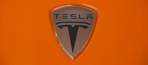 Man killed in Tesla car crash ignored warnings from the vehicle / Photo via Joe Nuxoll, Flickr