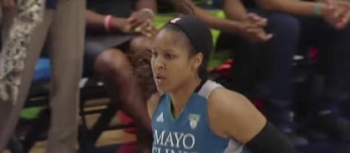 Minnesota Lynx star Maya Moore score 22 points in Friday's win over the Washington Mystics. [Image via WNBA/YouTube]