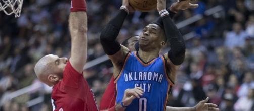 Russel Westbrook drives to the Basket | Flickr | Kieth Allison
