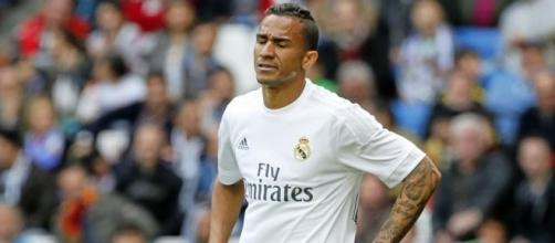 Zidane backs Danilo against boo boys | MARCA English - marca.com