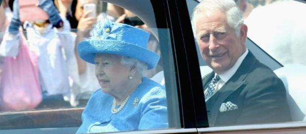 Caller Dials 999, United Kingdom's '911,' On The Queen For Not ... - inquisitr.com
