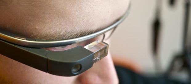 Google Glass getting an update after 3 years / Photo via Kārlis Dambrāns, Flickr