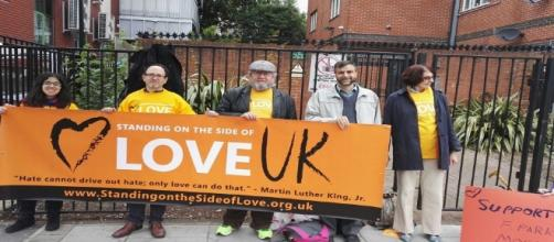 standing on the side of love - finsburyparkmosque.org