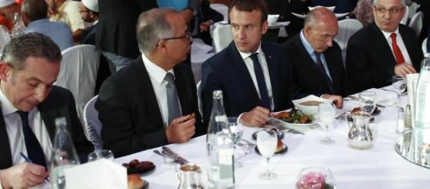 Au dîner du CFCM, Macron expose sa feuille de route sur l'islam en ... - liberation.fr