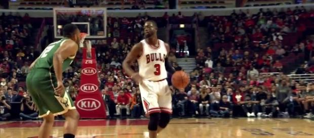 """The Bulls' front office believes that Dwyane Wade will handle the buyout rumors """"professionally"""" (via YouTube/NBA)"""