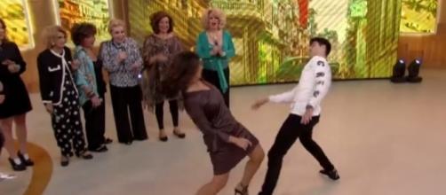 Fátima Bernardes dançou de forma energética