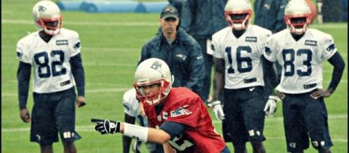 Tom Brady and the Patriots total win prop bet is the highest of all NFL teams heading camp. [Image via Wiki Commons]