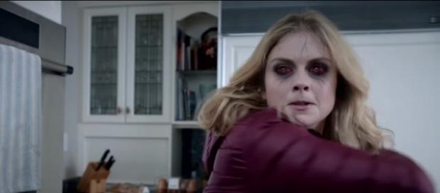 """Liv Moore (Rose McIver) is ready to fight in """"iZombie"""" Season 3 Episode 13. CW/YouTube screencap"""
