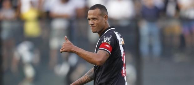 Luis Fabiano estará '100%' no clássico contra o Flamengo (Foto: Reprodução)