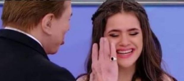Maisa não segurou as lágrimas no programa do SBT (Foto: Reprodução)