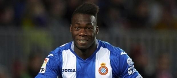 O jogador tem 28 anos e veste a camisa do Espanyol