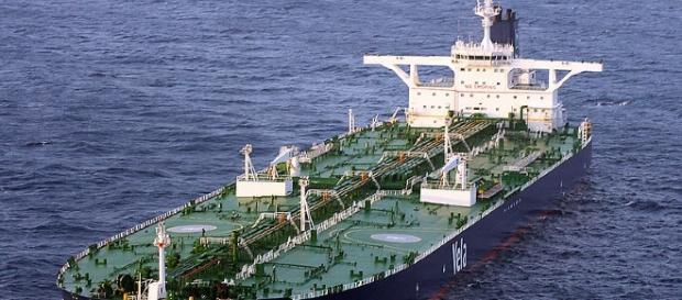 Sirus Star Supertanker (Wikimedia United States Navy)